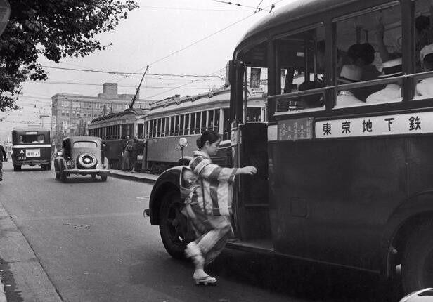 1950년,전통 기모노를 입은 일본여성