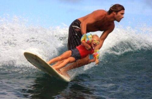 서핑하는 아빠