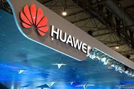 ▲ 화웨이가 디스플레이 일체형 지문인식 기술을 탑재한 메이트10을 10월에 내놓을 가능성이 커 스마트폰 시장의 경쟁이 가열될 조짐이다.