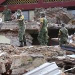 ▲ 지진 피해를 입은 현장에서 복구작업을 하고 있는 멕시코의 군인들. 이미지 출처 - nbc news