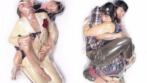 ▲ 하루히코 가와구치의 진공 포장 커플 사진. 인형이 아니라 실제 사람이다. 이미지 출처 - 하루히코 가와구치