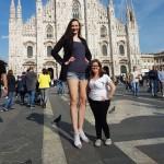 ▲ 세계에서 가장 다리가 긴 여성으로 선정된 예카테리나 리시나 (좌)