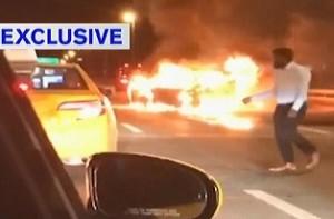 ▲ 사고를 당해 불에 타오르는 차 안에 친구를 남기고 홀로 택시를 탄 채 현장을 빠져나간 사이드. 이미지 - ABC 방송 캡쳐