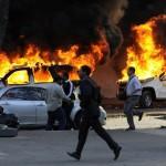 극심한 경제난에 직면하자 폭동을 일으킨 베네수엘라 국민들.