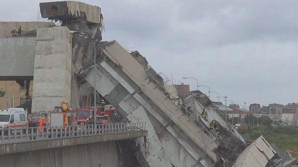 붕괴된 제노바 모란디 다리의 모습. 이미지 - sbs 제공