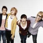 동신대학교 재학 당시 비스트 멤버들의 홍보 모델 활동 사진.